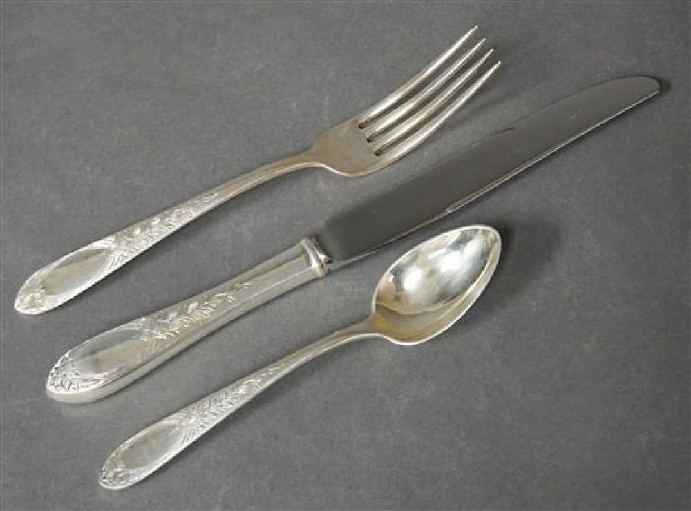 S. Kirk & Son 'Primrose' Pattern 51-Piece Sterling Silver Flat Table Service, Weighable Silver: 59.4 oz