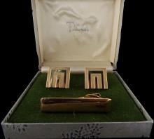 VINTAGE  14 KT GOLD TIE CLIP AND CUFF LINKS - CUFF LINKS MARKED SWANK