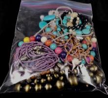 VINTAGE COSTUME JEWELRY GRAB BAG LOT OF VARIOUS STYLES NECKLACES