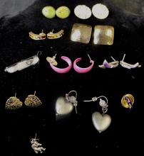 SMALL GRAB BAG OF MISC. EARRING BACKS AND PIN BUTTONS AND UNMATCHED EARRINGS