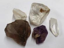 MIXED LOT OF 11 OUNCES OF CRYSTALS - EXACT ORIGIN IS UNKNOWN TO US (MEASURES: 2
