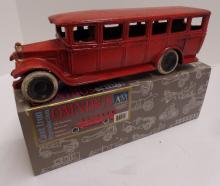 Cast Iron Reproduction of 1920s (Omnibus) Made by Authentic Models - Measures 10