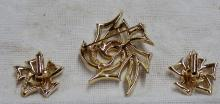 Vintage Gold Plated Sarah Coventry  Jewelry - Brooch and Earring Set - Measures 2 1/2