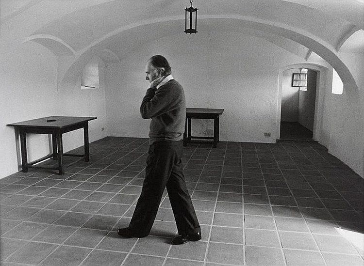 Thomas Bernhard in seinem Vierkanter / at home