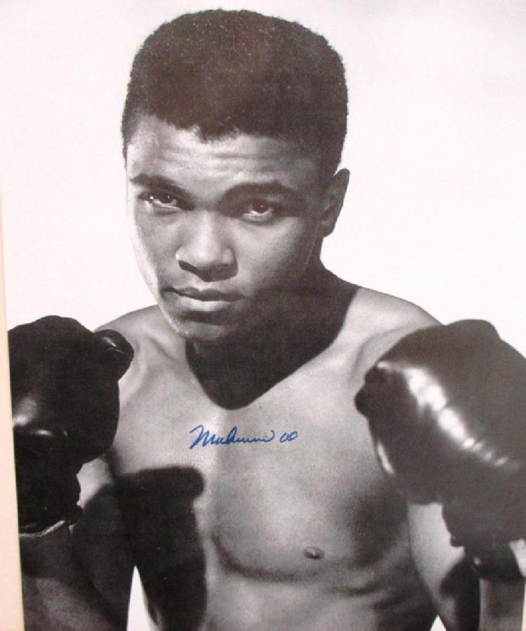 memorabilia Muhammad Ali 8x10 Autographed Rare