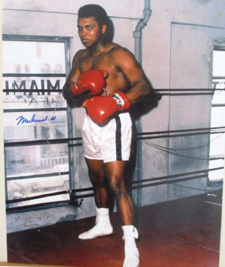 memorabilia Muhammad Ali Autographed Signed 8x10 Photo