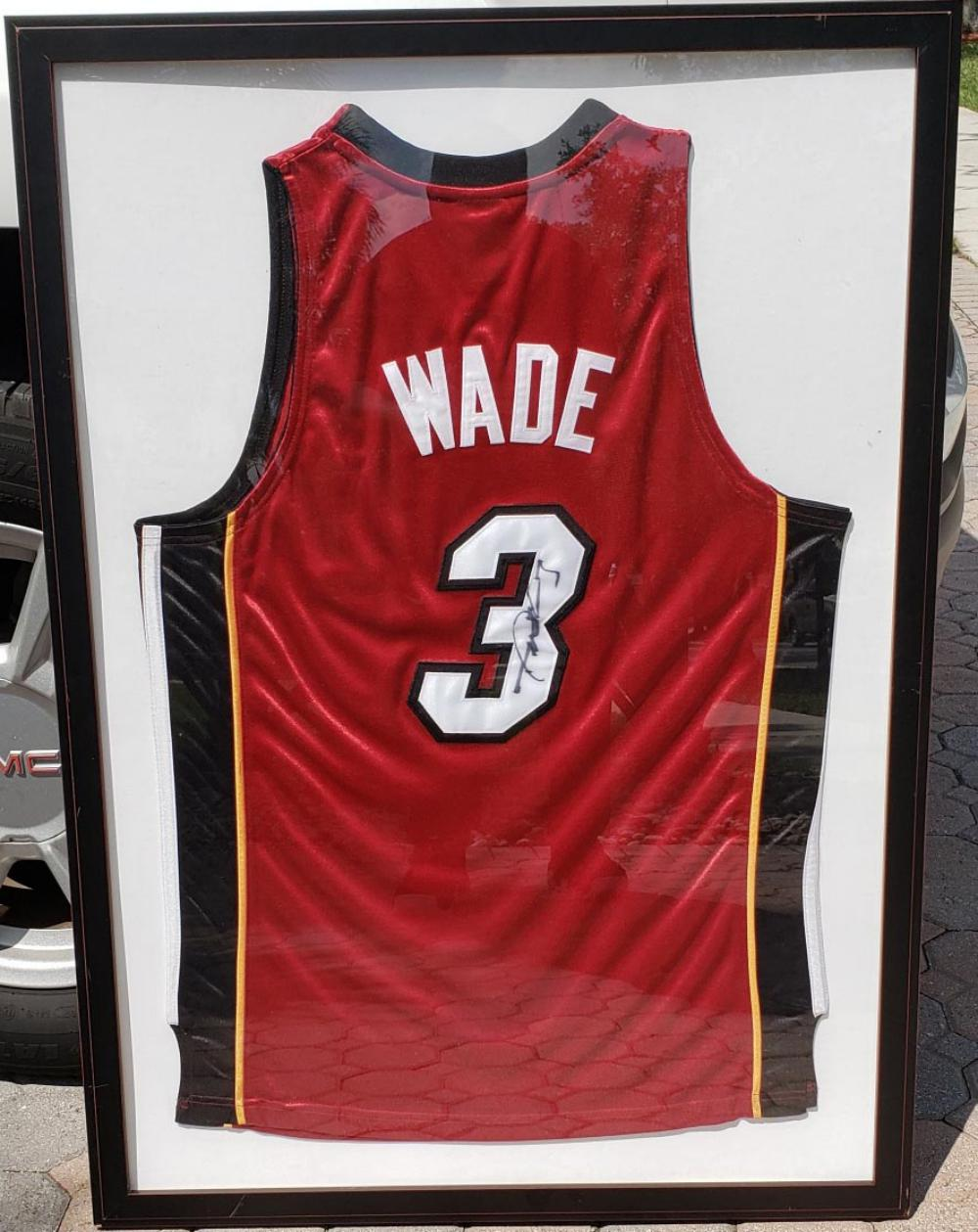 the latest ad2d7 31ca2 Dwyane Wade Autographed Jersey framed
