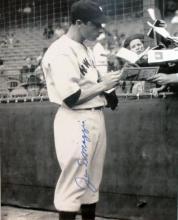 memorabilia Joe DiMaggio Signing 8X10 Autographed Photo