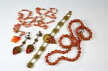 LOT OF ANTIQUE CORAL JEWELLERY