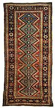 Shiraz area rug, 3' 8