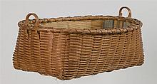 Shaker basket with fabric lining