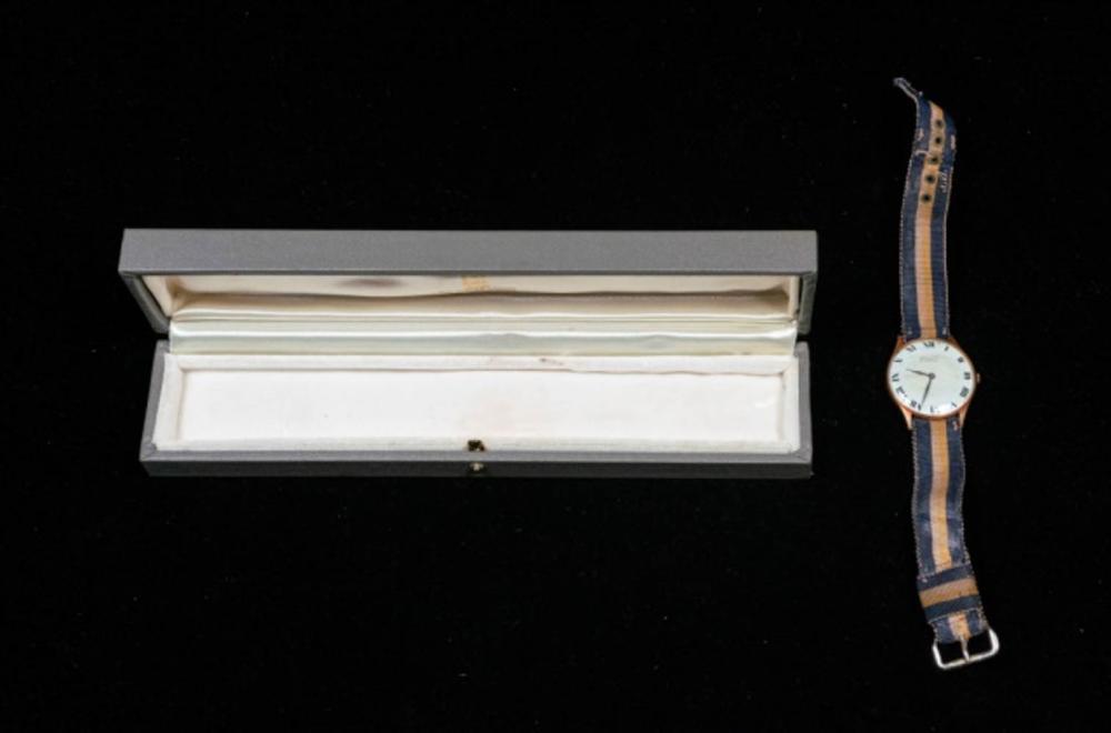 Van Cleef & Arpels 14k Gold Ladies Wrist Watch