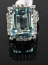 18kt WhiteGold 24.19ct Aquamarine⋄ Ring W12039