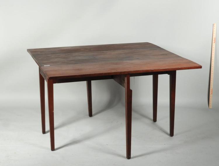 Hepplewhite cherry large drop leaf dining table for Large drop leaf dining room tables