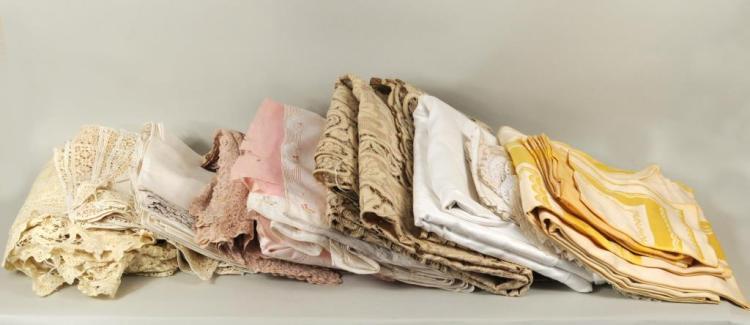 Group Vintage Lace & Linen Tablecloths, Napkins