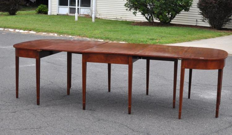 Hepplewhite Style Mahogany 3-Part Dining Table
