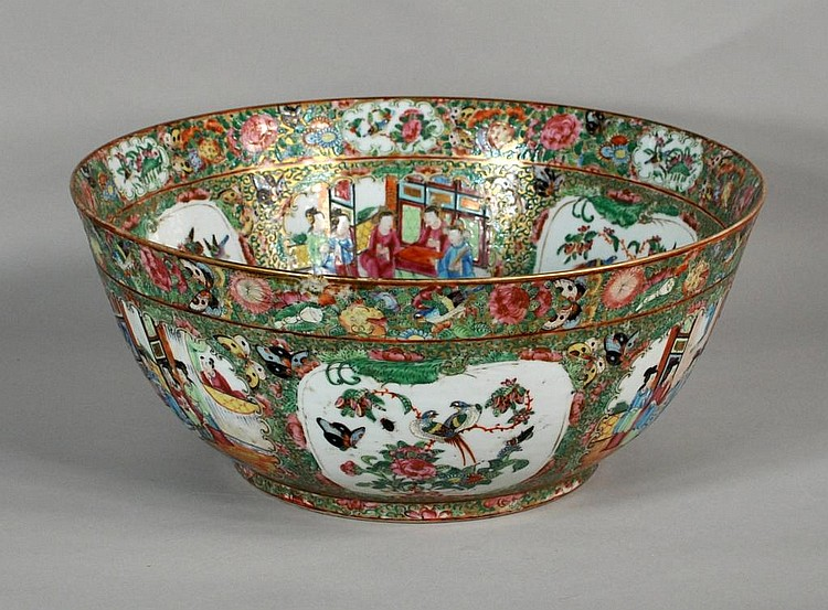 Fine Chinese Famille Rose Mandarin Bowl