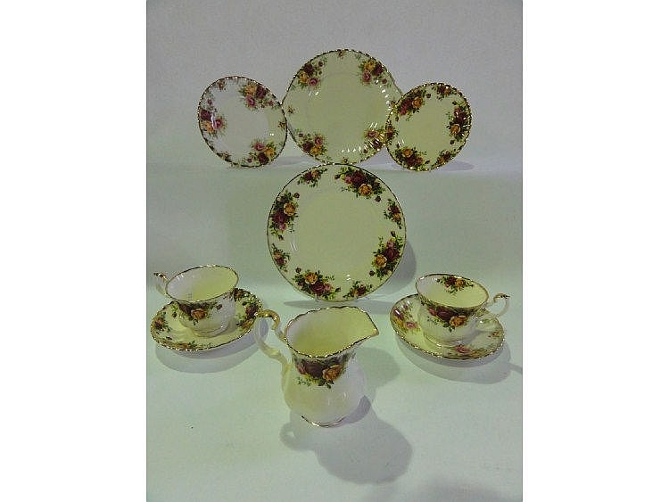 A quantity of Royal Albert