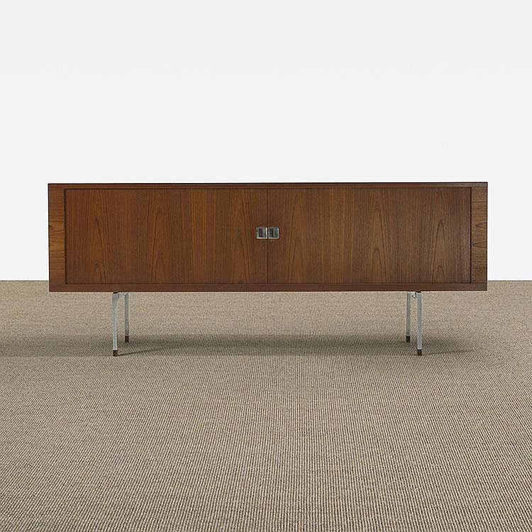 Hans Wegner cabinet, model RY 25