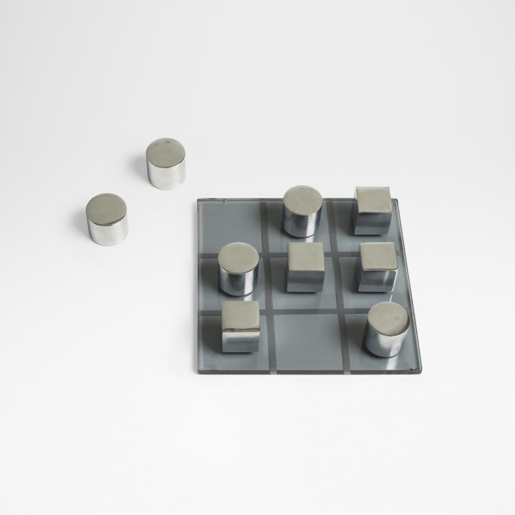 Modern, Decorator Tic Tac Toe set