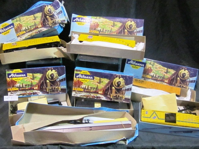 Assorted Athearn Trains (HO) in Box