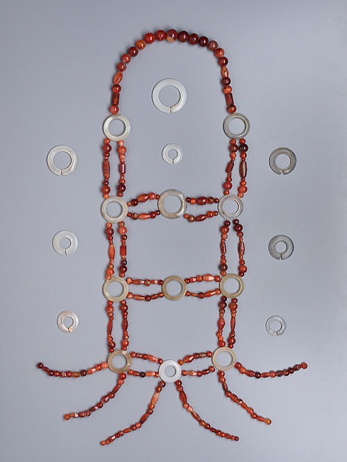 PECTORAL WITH CARNELIAN BEADS, AGATE RINGS AND JUE SLIT-RINGS