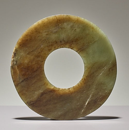 DISC IN SEMI-TRANSLUCENT JADE