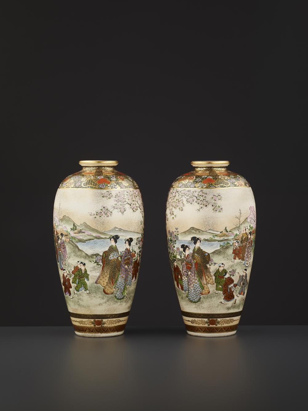 A FINE PAIR OF KINZAN VASES