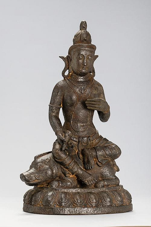 IRON SCULPTURE OF A MARICI (ZHUNTI 準 提) ENTHRONED ON A BOAR