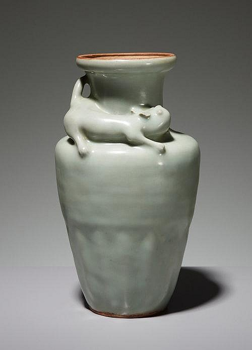 VASE WITH THREE-DIMENSIONAL CAT