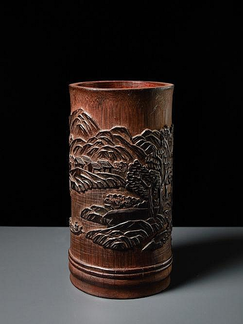 BRUSH CUP WITH LANDSCAPE RELIEF