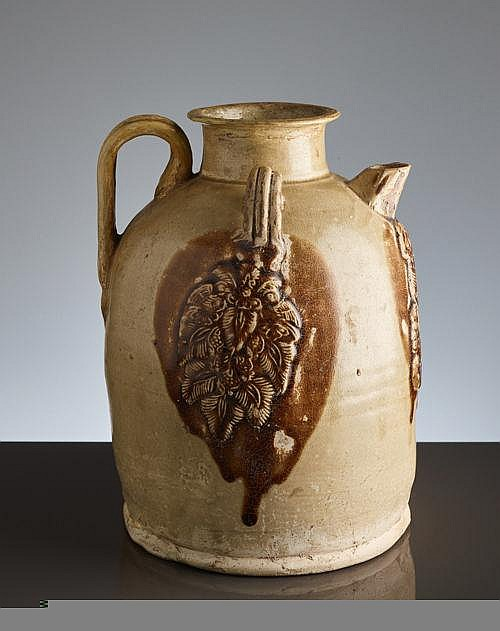 PITCHER WITH HANDLE AND RELIEF DECOR
