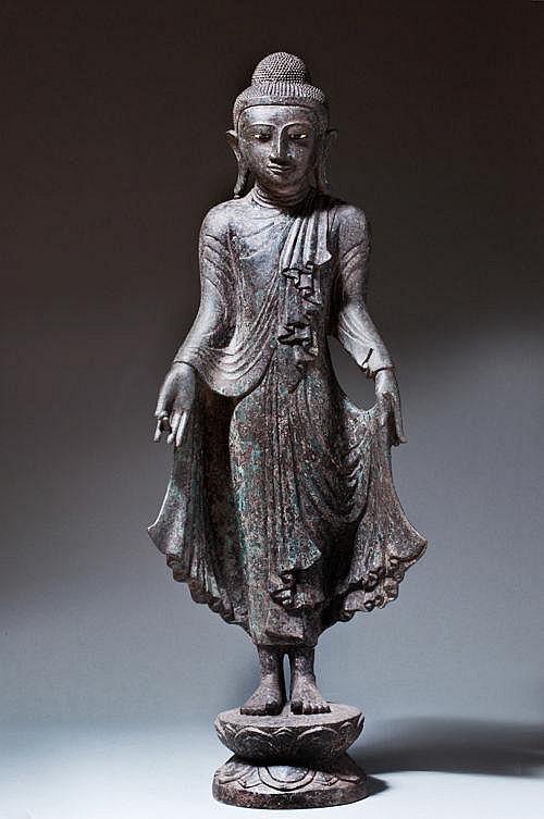 STANDING BUDDHA GAUTAMA