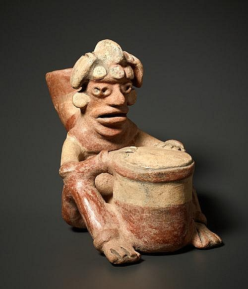 VESSEL SCULPTURE OF A DRUMMER