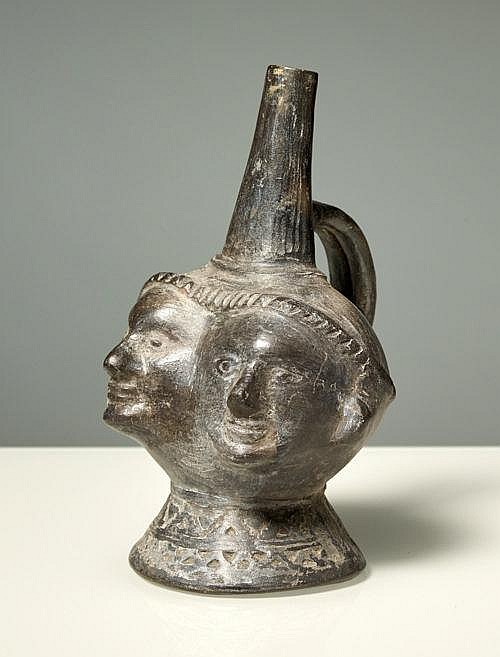 VESSEL WITH DOUBLE HEAD