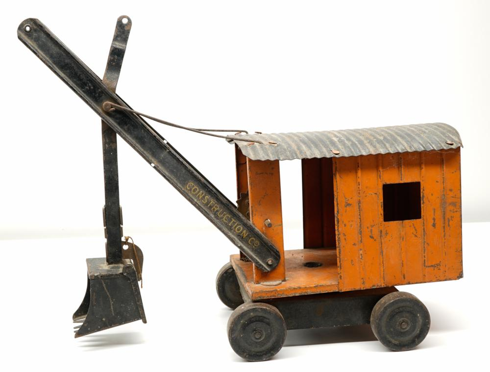 Lot 195: Structo Construction Toy
