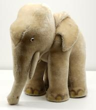 Lot 198: Steiff Elephant 6335,00