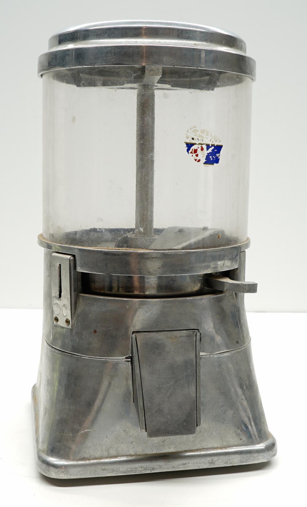 Lot 265: Vintage 5c Coin-Op Gumball Machine