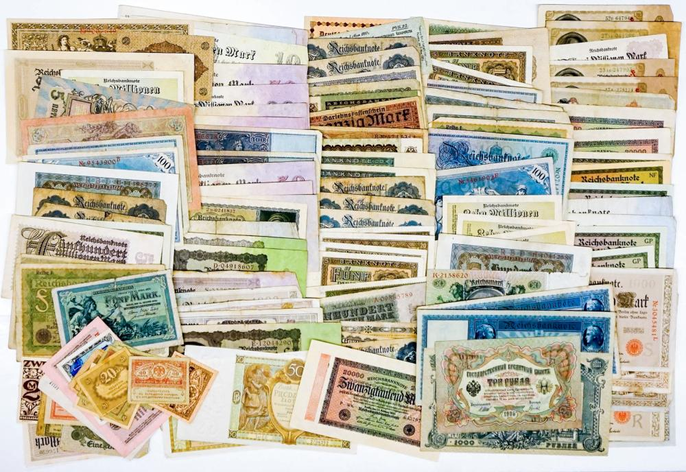 Lot 409: [126 Pieces] Currency and Notgeld from Germany