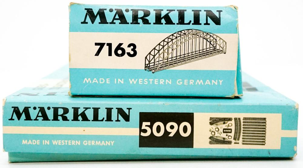 Lot 594: Group of Marklin Track