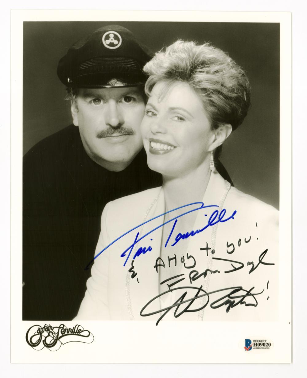 Lot 687: Captain and Tenille Signed 8 x 10 Photo BAS COA