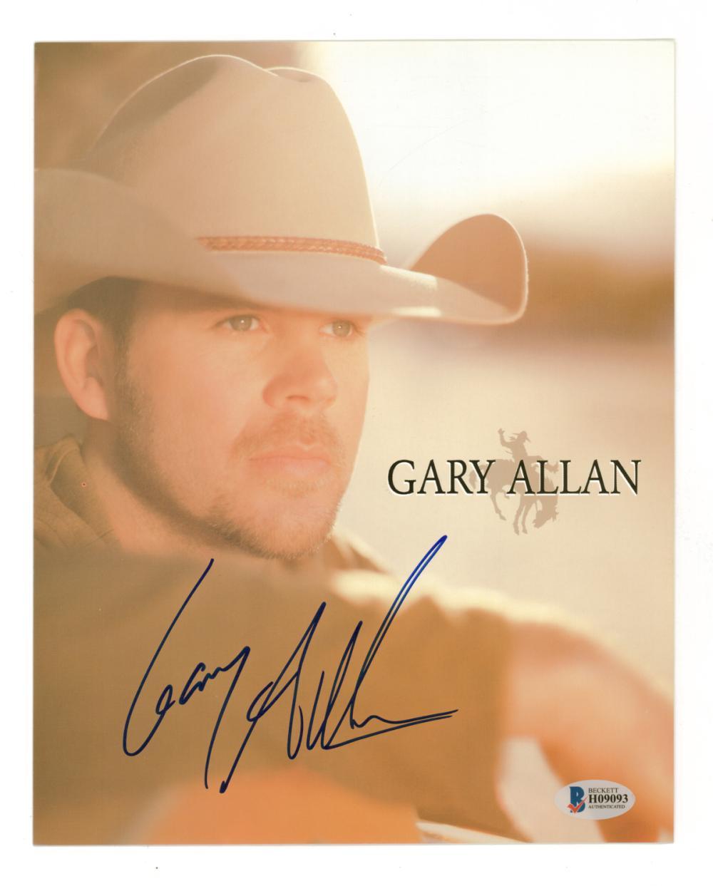Lot 689: Gary Allan Signed Color Photo Beckett COA