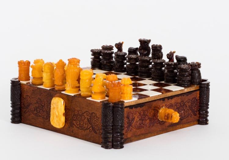 Yellow and Red-Brown Baltic Amber Chess Set with Box, German, Circa 1920